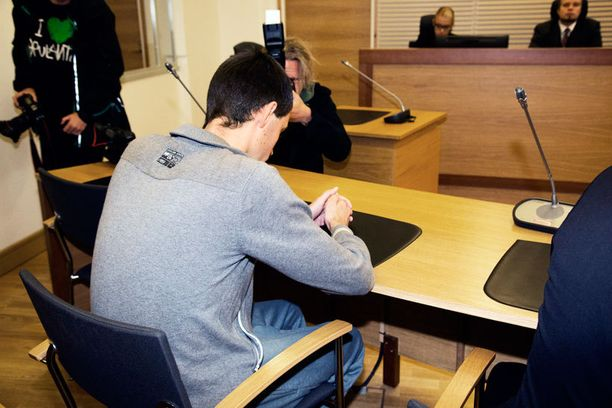 Dzmitry Tsiakuchau tuomittiin kymmeneksi vuodeksi ehdottomaan vankeuteen.
