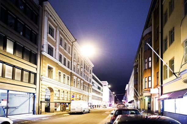 Murha tapahtui kesäkuussa Helsingin Lönnrotinkadulla. Kuvituskuva.