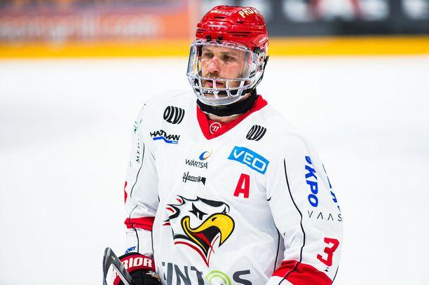 Jonne Virtanen jatkaa Sportissa.