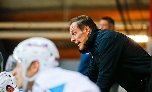 Ville Nieminen siirtyi peliuransa jälkeen suoraan valmentajaksi.