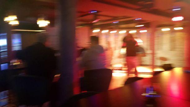 Lapin baarit ja ravintolat on avattu Kittilää lukuun ottamatta. Kuva Rukan alppikylän baarista, vaikka teknisesti se sijaitsee Pohjois-Pohjanmaan puolella. Ei siis Lapissa.