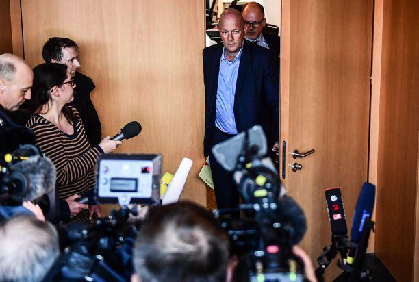 Vapaan demokraattipuolueen Thomas Kemmerich joutui eroamaan.