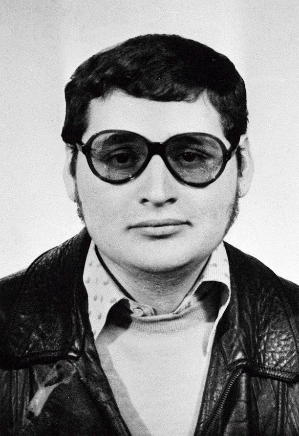 Syytettynä on Shakaali- ja Carlos-nimillä tunnettu venezuelalaissyntyinen Ilich Ramirez Sanchez, 67, joka oli 1970- ja 1980-lukujen kuuluisimpia terroristeja.