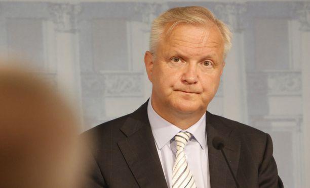 - Merkit viittaavat nyt siihen, että tästä Rosatom-sopasta on kehkeytymässä uusi ja vakava energia- ja teollisuuspoliittinen pohjakosketus, Rehn kirjoitti viime vuoden syyskuussa.