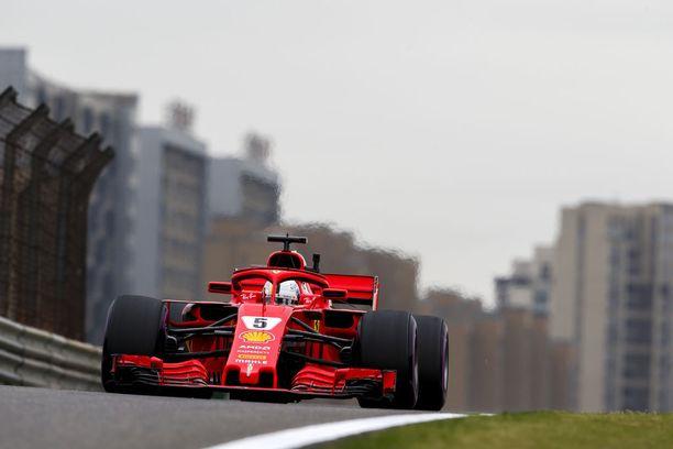 Sebastian Vettel ajoi paalulle 52. kerran urallaan.