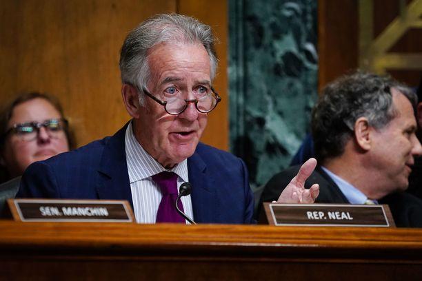 Richard Neal saanee pian hyppysiinsä vallan paljastaa Trumpin tarkkaan varjelemia salaisuuksia.