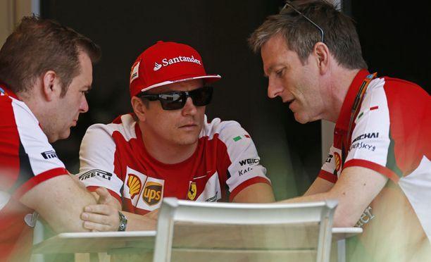 Kimi Räikkönen ja James Allison tekivät tiivistä yhteistyötä Ferrarilla ja Lotuksella. Kuva vuodelta 2015.