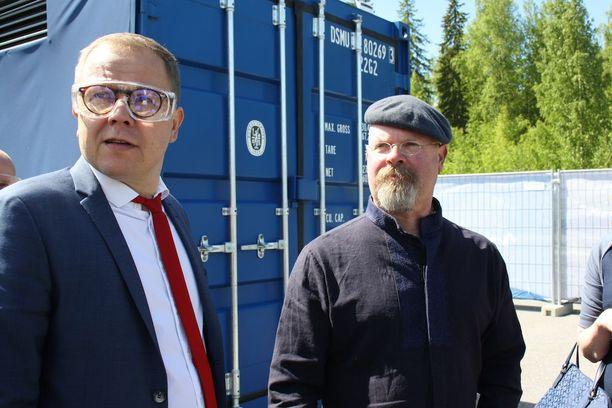 Lappeenrannan teknillisen yliopiston rehtori Juha-Matti Saksa isännöi Myytinmurtajista tuttua Jamie Hynemania keskiviikkona Lappeenrannassa.