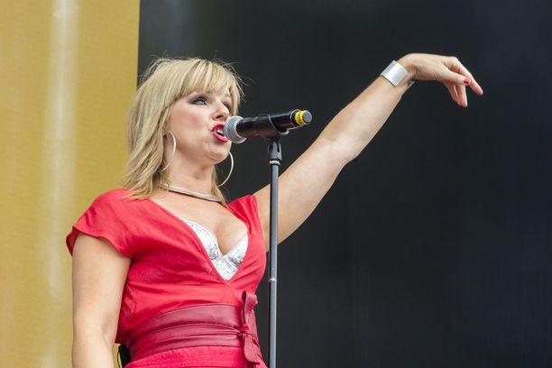 Pandora muistetaan eurodancen kuningattarena.