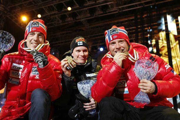 Vuonna 2011 Heikkinen juhli MM-kultaa 15 kilometrin perinteisellä.