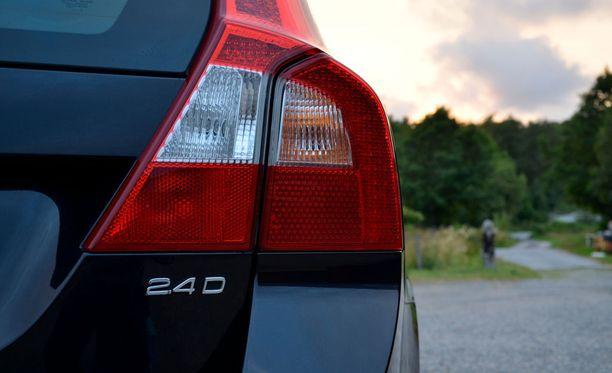 Tänä vuonna noin puolet käytetyistä autoista on tuotu Ruotsista.