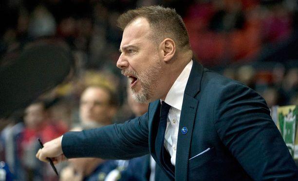 Rikard Grönborg jätti Vidar Löfshusin kommentit omaan arvoonsa.