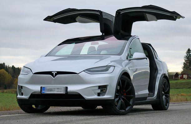 Model X:n hinnat alkavat nyt 91 500 eurosta.