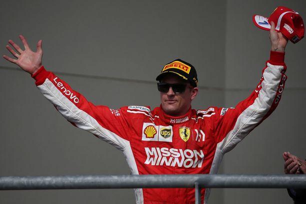 Kimi Räikkönen tuuletti Austinissa Yhdysvaltain GP:n voittajana.