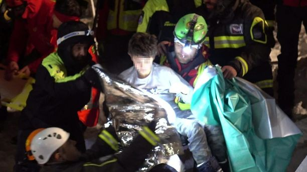 Edoardo Di Carlo (kasvot pikselöity) oli yksi neljästä pelastetusta lapsesta.