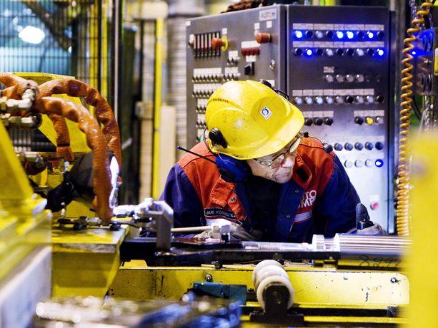 Torstaina tappiollisesta osavuosituloksesta ilmoittanut Outokumpu on Teknologiateollisuus ry:n jäsen. Kuva yhtiön Tornion tuotantolaitokselta.