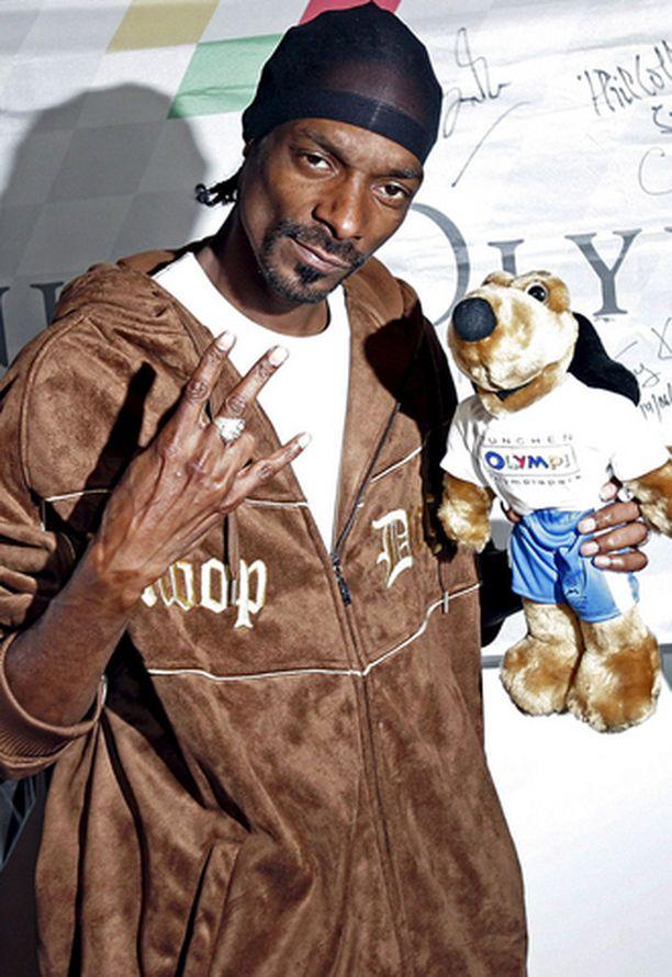 Snoop Dogg haluaisi päästä Britanniaan auttaakseen jengisotien ratkaisemisessa.