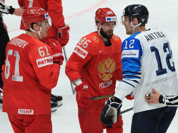 Marko Anttila kävi sanailua myös Nikita Kutsherovin, NHL:n pistepörssin voittajan, kanssa.