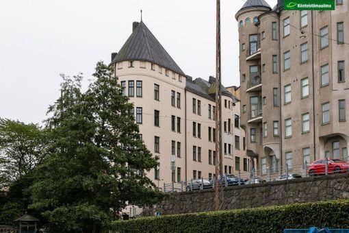 Asunto sijaitsee jugendtalon ylimmässä kerroksessa.