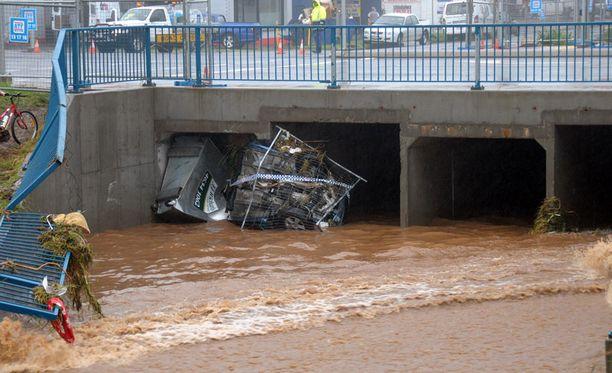 Tulvat aiheuttivat kaupungin laajoja tuhoja.