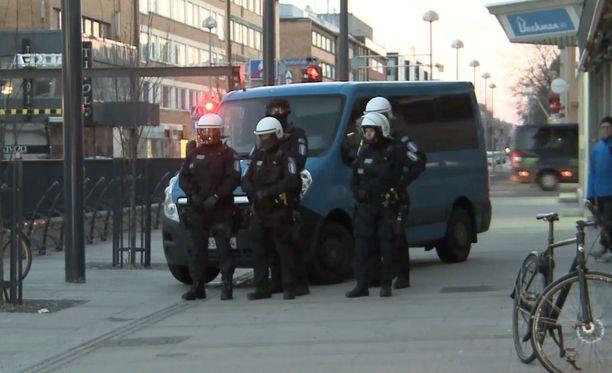 Teltan purku sujui rauhallisesti ilman, että poliisi joutui puuttumaan asiaan muuta kuin suusanallisesti.