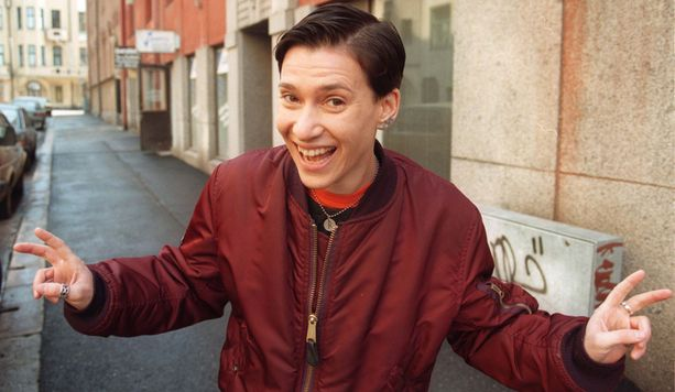 Vuonna 1996 Yazka juonsi Amatsonia Marianne Heikkilän kanssa ja herätti keskustelua androgyynisyydellään.