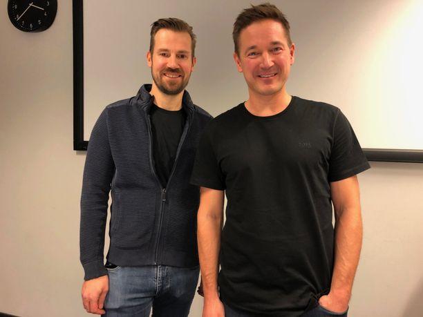 Mikko Kodisoja (vas.) ja Ilkka Paananen kertoivat avoimesti ajatuksistaan TPS:n suhteen Supercellin tiloissa Helsingissä.