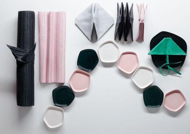 Iittala X Issey Miyake -sisustustuotteiden kokoelma sisältää 30 tuotetta.
