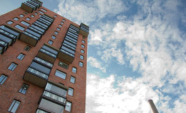 Espantorni on yksi suosituimmista opiskelija-asuntokohteista Tampereella. Tornitalon ikkunoista avautuu näköala Näsijärvelle.