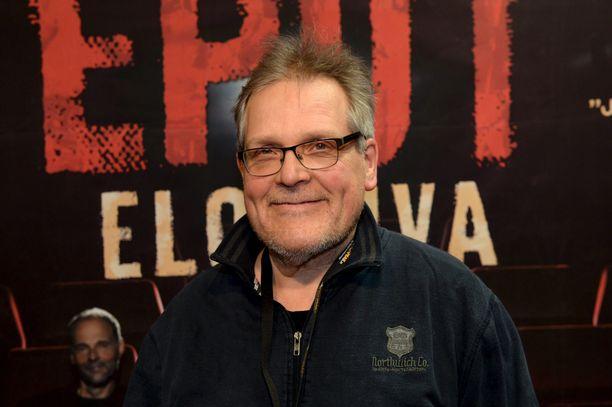 Eppu Normaali -yhtyeen alkuperäisjäsen Mikko Saarela kuvattuna Eput-elokuvan ensi-iltanäytöksessä Espoossa 2. joulukuuta 2016.