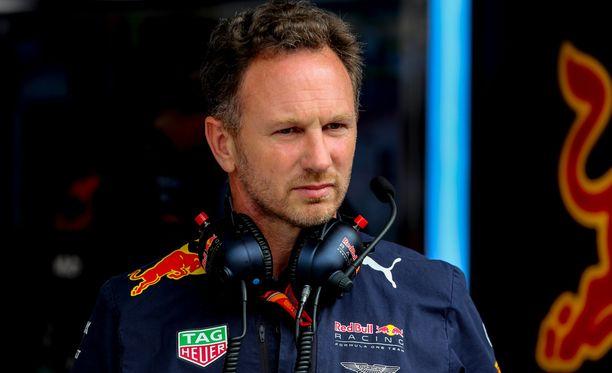 Red Bull joutui taistelemaan Silverstonessa toinen käsi selän taakse sidottuna. Tämä sai tallipäällikkö Christian Hornerin mietteliääksi.