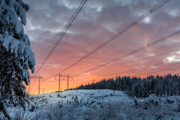 Sähkön saatavuus on heikentynyt ja hinta noussut talvipakkasilla Ruotsissa. Kuvituskuva.