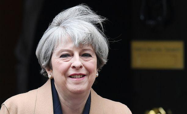 Nykyinen pääministeri Theresa May tulee voittamaan kesäkuun vaalit Tony Blairin opeilla.