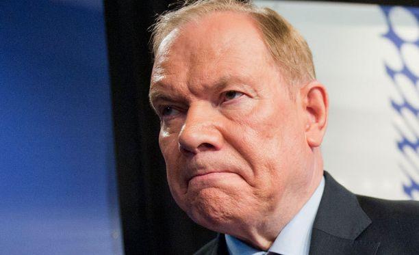 Paavo Lipponen näkee ongelmia HIFK:n hankeessa.