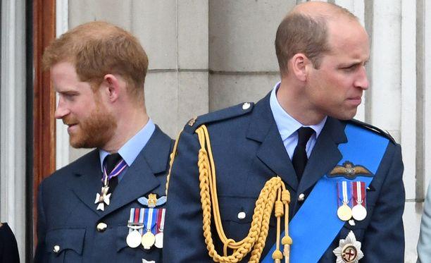 Prinssi Harry ja prinssi William ovat etääntyneet toisistaan sen jälkeen, kun Harry alkoi seurustella Meghanin kanssa.