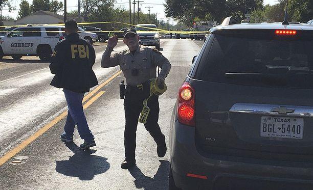 Yhdysvalloissa Texasin Sutherland Springsissä sattuneessa joukkoammuskelussa kuoli 27 ihmistä, joista yksi oli pastori Frank Pomeroyn 14-vuotias tytär Annabelle.