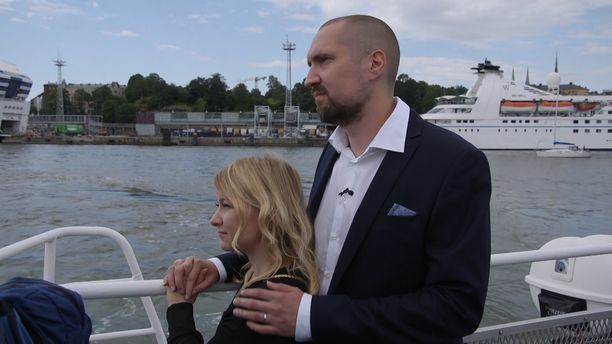 Miina ja Heikki tapasivat toisensa Ensitreffit alttarilla -ohjelman kautta. Miina kiittelee Heikkiä erityisesti hyvästä keskusteluyhteydestä.