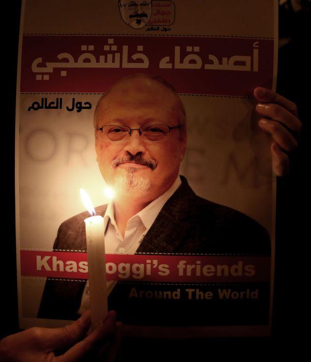 Jamal Khashoggi murhasi Saudi-Arabian Istanbulin-konsulaatissa paikan päälle varta vasten lähetetty tapporyhmä. Hänen ruumistaan ei ole vieläkään löydetty.