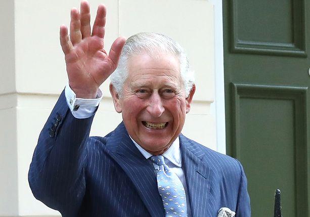 Walesin prinssi Charles osallistuu aktiivisesti erilaisiin hyväntekeväisyystapahtumiin. Prinssin harrastuksiin kuuluvat esimerkiksi vesivärimaalaus, musiikki ja ulkoilu.