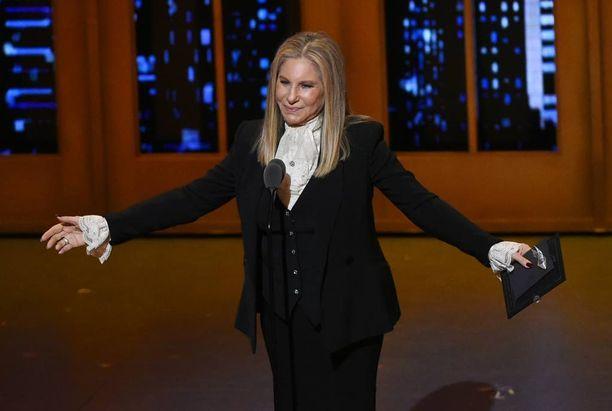 Barbra Streisandin ulostulo sai aikaan jokseenkin odotetun reaktion Trumpin tukijoilta.