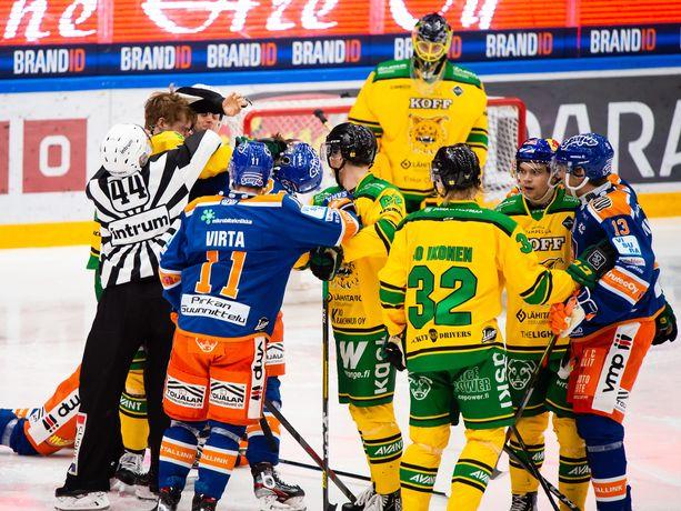 Tappara isännöi perjantaina Ilvestä liigakauden neljännessä Tampereen derbyssä. Kolmesta edellisestä voitot ovat Ilvekselle 2–1.