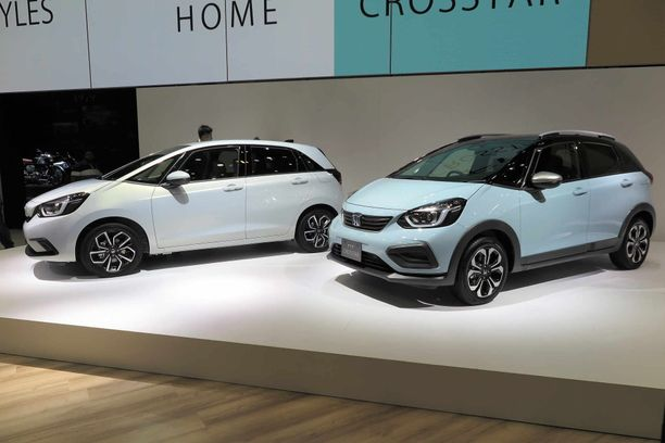 Honda Jazz on nyt täysin uusi ja sen saa myös katumaasturityylisenä crossoverina.