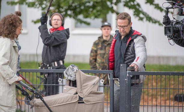 Finnkino ehti jo markkinoida Yösyöttö-elokuvaa, mutta nyt sitä ei nähdäkään Finnkinon teattereissa.