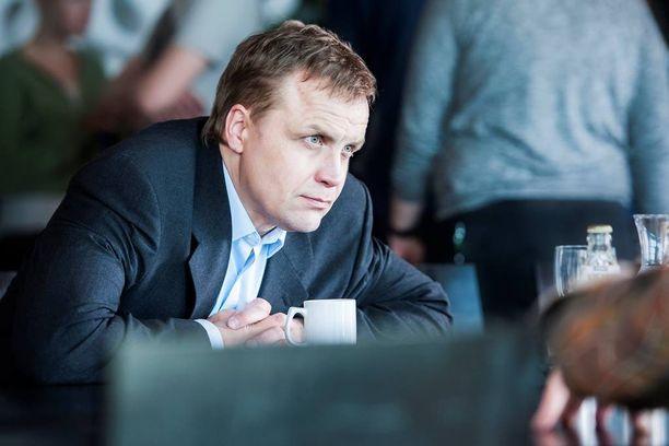 Jani Volanen tekee häkellyttävän hienon roolisuorituksen Talvivaaran Pekka Perän roolissa.