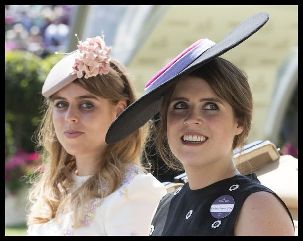 Prinsessa Eugenie, oikealla ja prinsessa Beatrice, vasemmalla ovat tuttu näky kuninkaallisissa tilaisuuksissa.