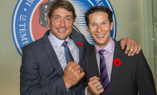 Teemu Selänne ja Paul Kariya liittyvät maanantaina jääkiekon Hall of Fameen.
