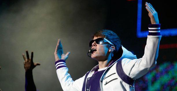 Vasta 18-vuotias Justin on iästään huolimatta kokenut showmies.