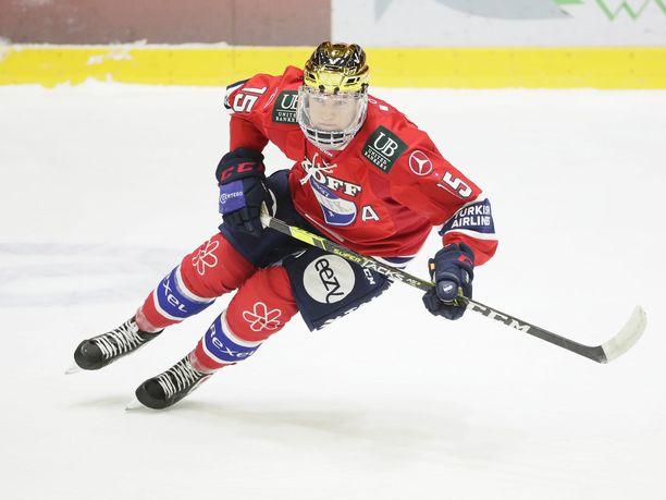 Anton Lundell on koko Suomen joukkueen tavoin koronakaranteenissa seuraavat kaksi viikkoa.