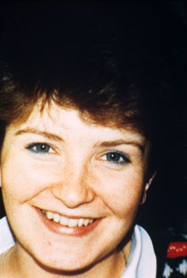 Joanna Parrish, 20, katosi ja löydettiin murhattuna Ranskassa toukokuussa 1990.