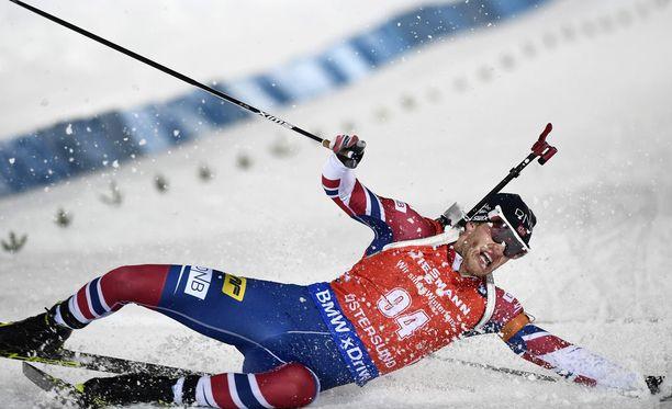Norjan Tarjei Bö tuupertui voittajana hankeen Östersundin maailmancupin pikakisan jälkeen lauantaina.